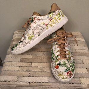 Nine Liberty tennis shoes
